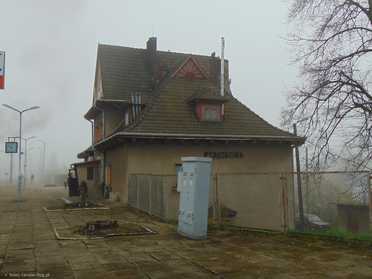 Dworzec kolejowy Ptaszkowa