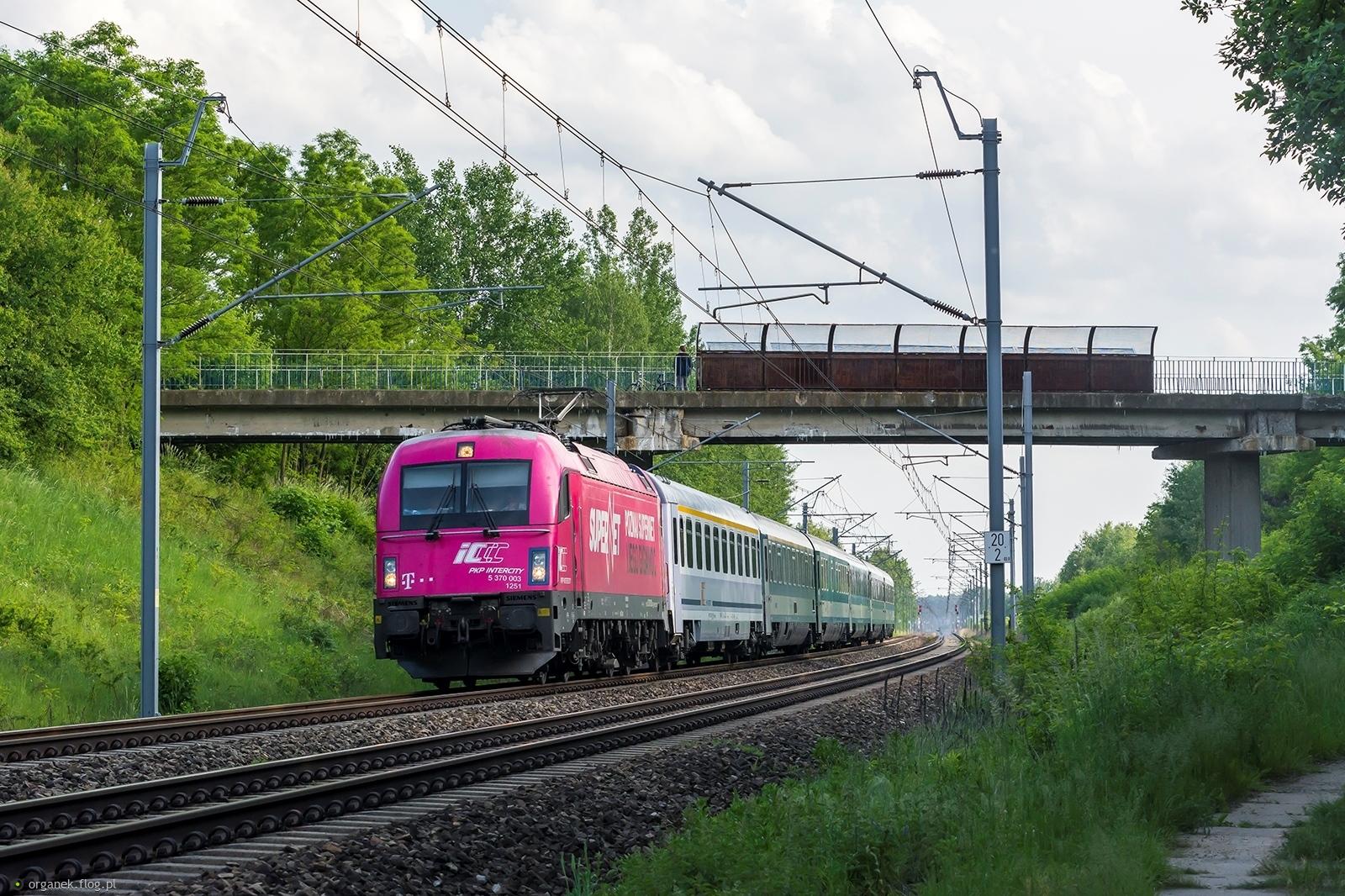 EU44-003