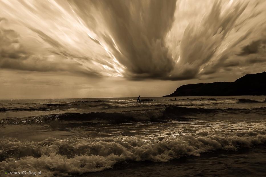 """""""""""Wielu oskarża morze, choć wiatr zawinił."""""""