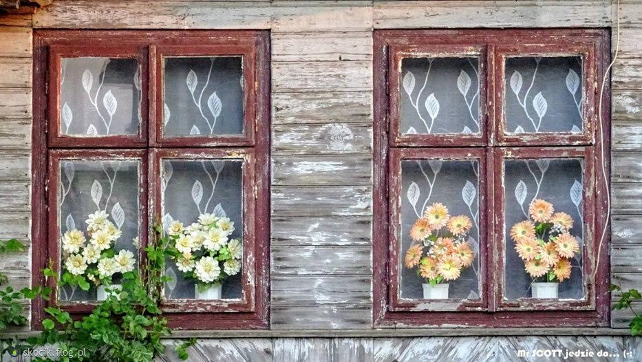 Okna.