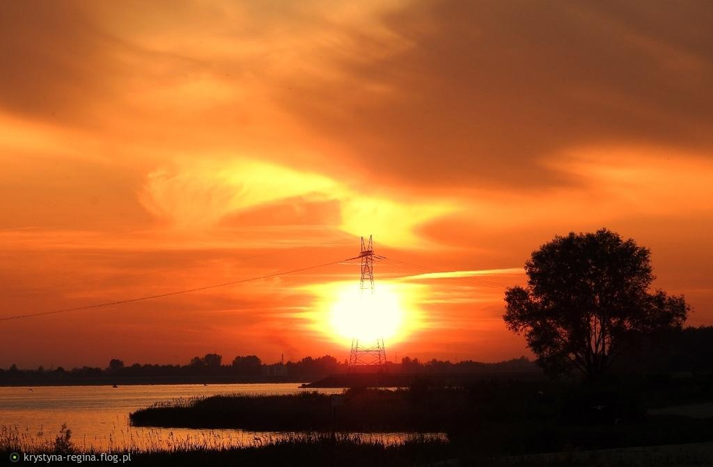 Orawowe klimaty - dzisiaj się słońca blaskiem takim zachwyciłam - wieża się blaskiem słońca zapaliła