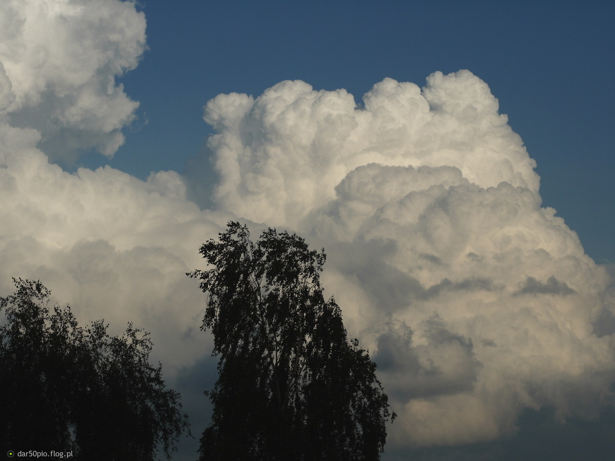 śmietanowe niebo :)