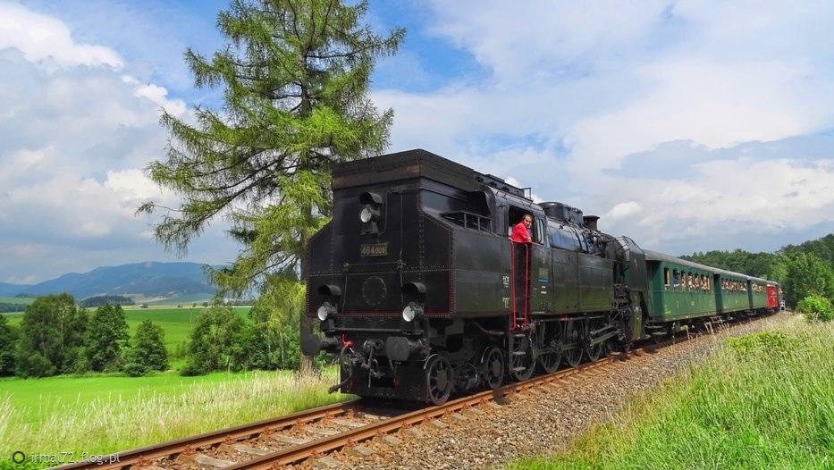 "pociąg ""Kralicky Sneznik"" w drodze powrotnej z Hanusovic do CeskaTrebova"