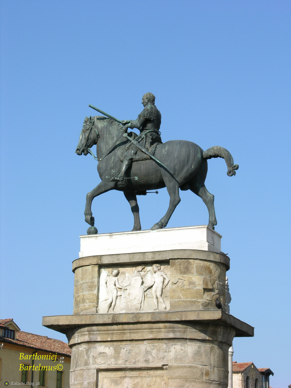 Donatello,  Monumento equestre al condottiero Erasmo da Narni detto il Gattamelata, 1446-1453, Piazza Sant'Antonio, Padova, 14.08.2009.