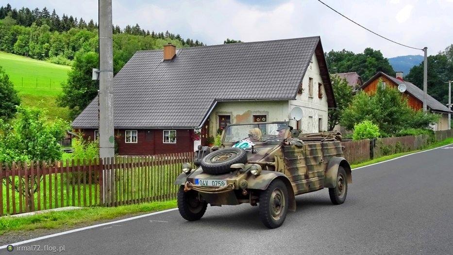 wojskowe wozy w Dolni Morava