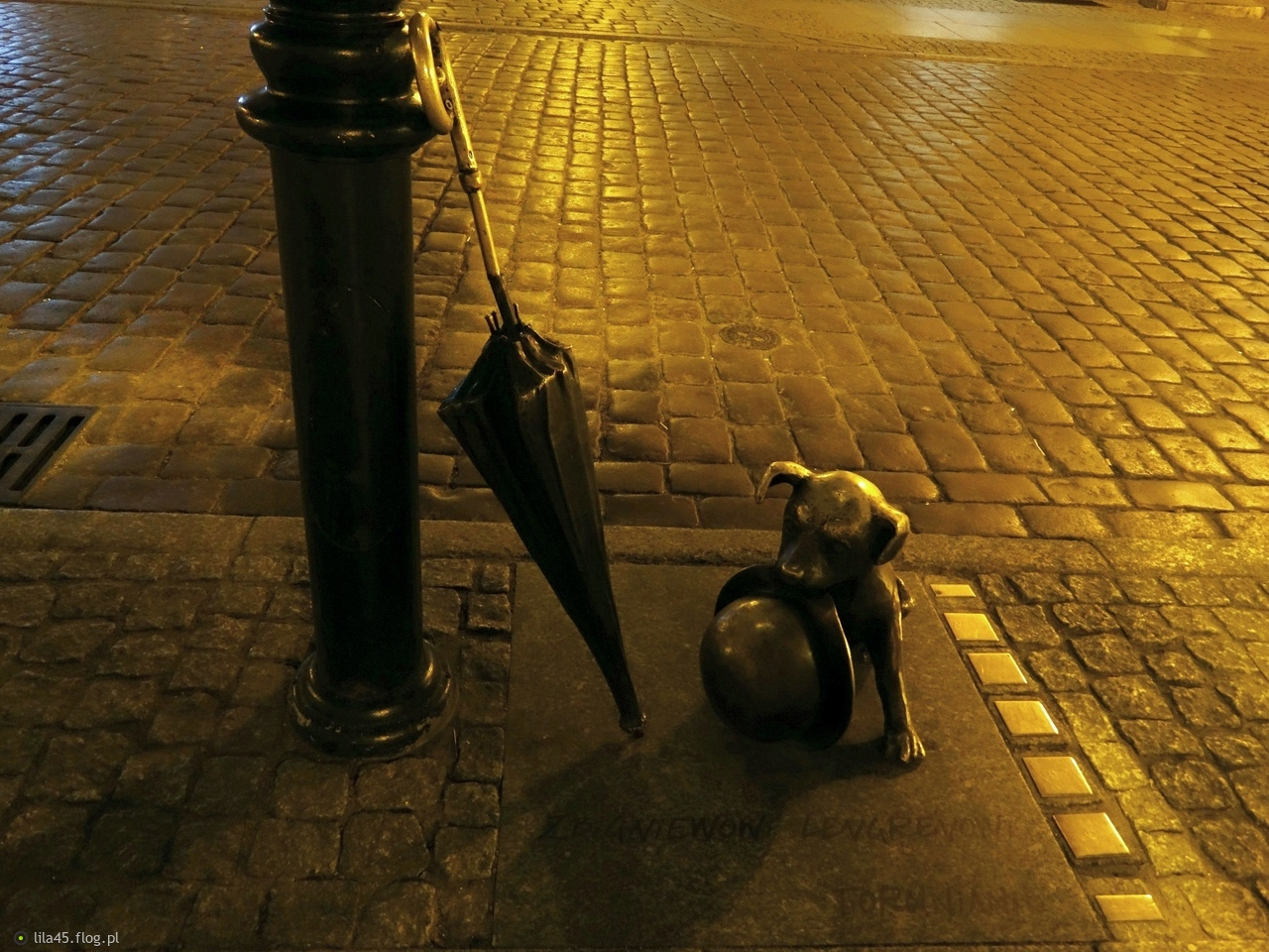 Pomnik psa Filusia....Toruń.