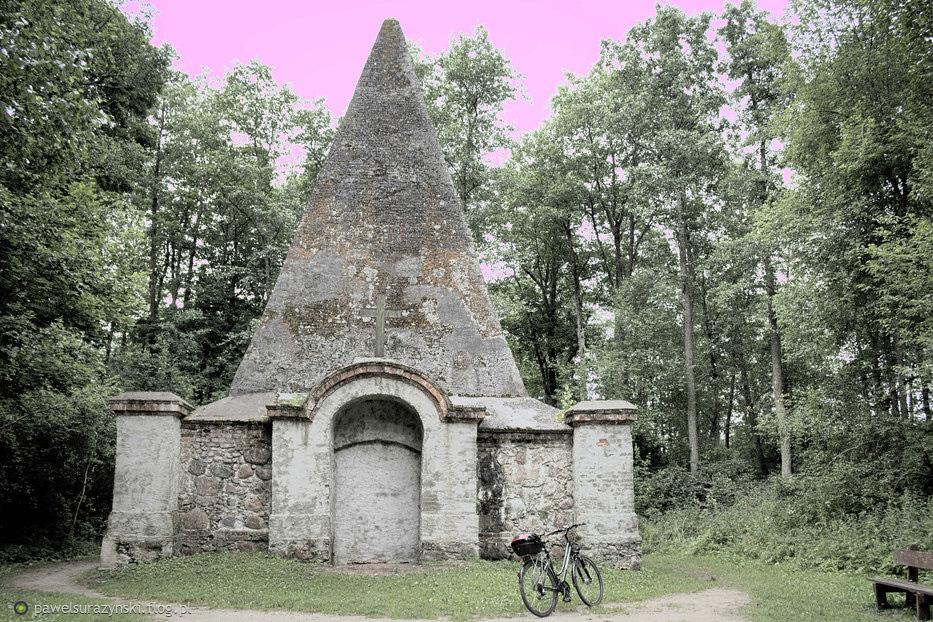 Tajemnicza piramida koło Banie Mazurskie, dokładnie Rapa