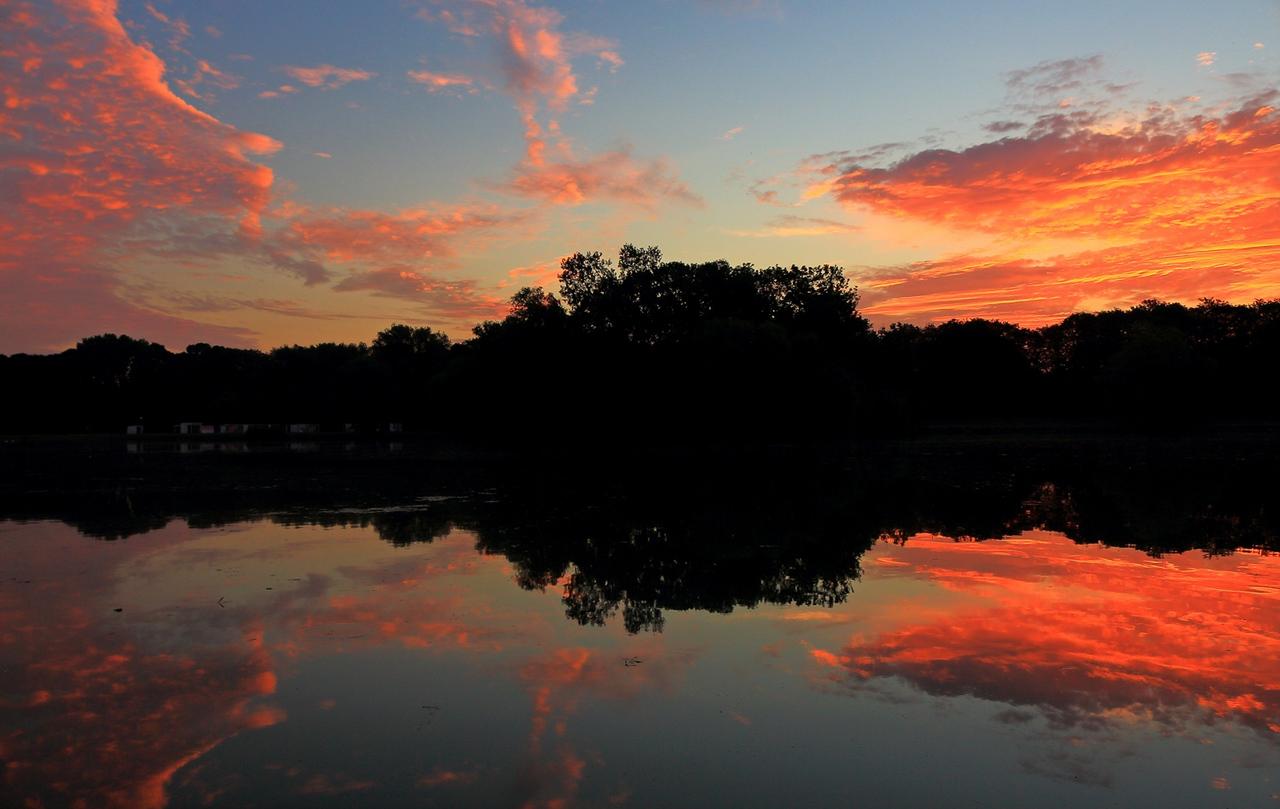 Przed wschodem słońca w sierpniowy poranek:)