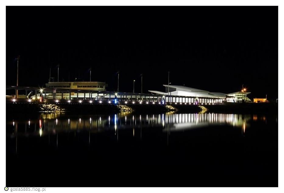 Kawałek Darwinu nocą - pozdrawiam serdecznie. )))