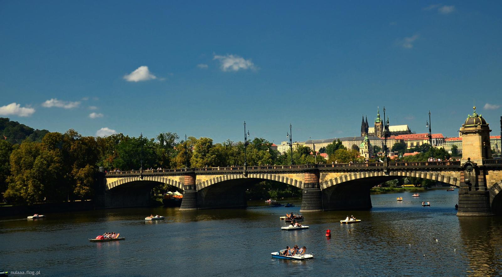 Na dobranoc trochę klimatu miejskiego) Przepiękna Praga:)
