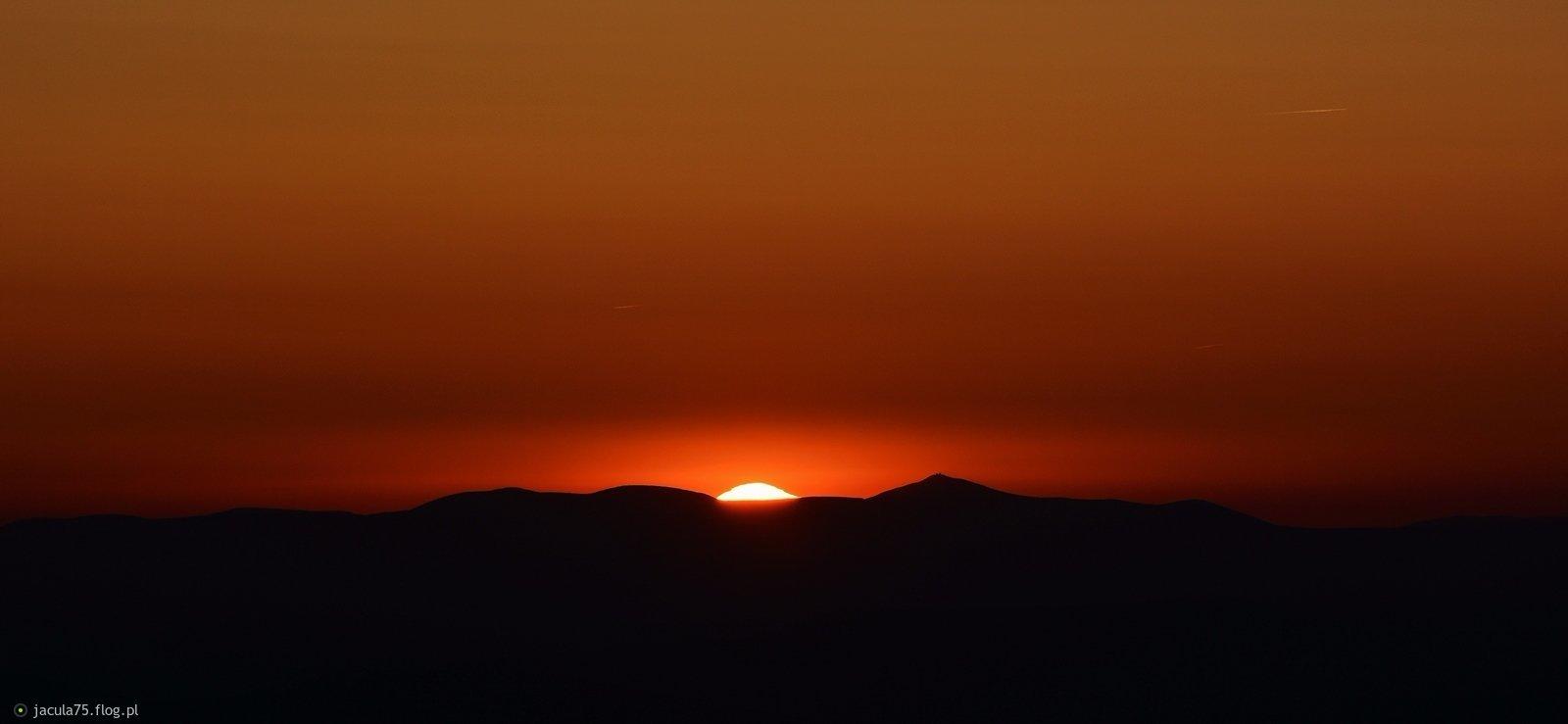 Karkonosze o zachodzie słońce
