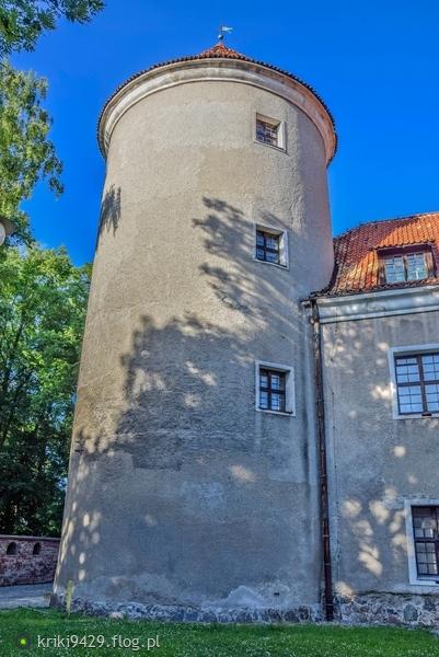 http://s23.flog.pl/media/foto_middle/11992822_uwieziona-dama--wieza-zamku-w-pasleku--dobrego-tygodnia-zycze-wam-.jpg