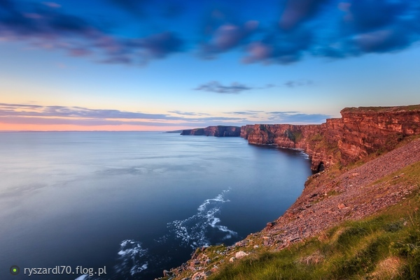 http://s23.flog.pl/media/foto_middle/12027305_cliffs-of-moher.jpg