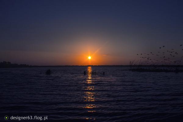 http://s23.flog.pl/media/foto_middle/12027485_wieczor-nad-jamnem.jpg