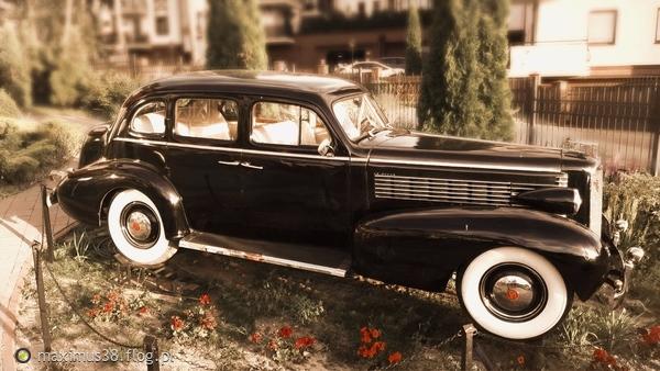 http://s23.flog.pl/media/foto_middle/12079090_-buick-century-series-80-sedan--1938.jpg