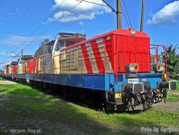 http://s23.flog.pl/media/foto_middle/12085568.jpg