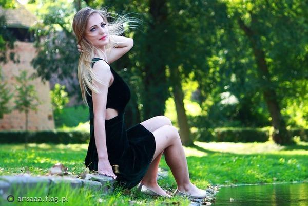 http://s23.flog.pl/media/foto_middle/12090633_w-plener-z-sandra.jpg