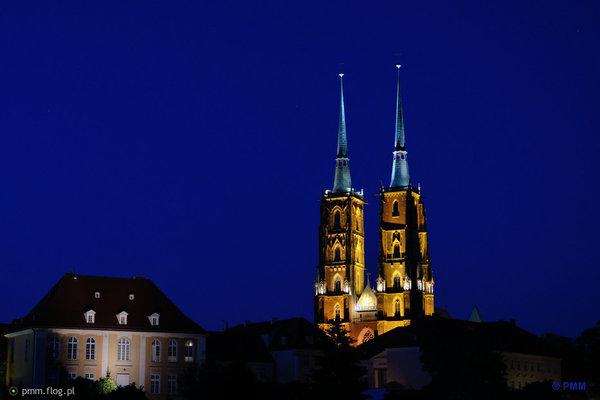 http://s23.flog.pl/media/foto_middle/12091808_archikatedra-sw-jana-chrzciciela-we-wroclawiu-breslauer-dom-kathedrale-st-johannes-des-tufers.jpg
