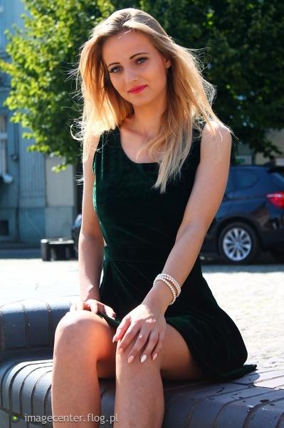 http://s23.flog.pl/media/foto_middle/12092286_w-plener-z-sandra.jpg