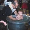 Chrzest. :: Ostatnio miałem okazję fo<br />tografować chrzest w obrz<br />ądku Prawosławnym.  Żeby <br />było ciekawiej by�
