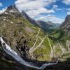 Norwegia. Droga Troli. :: Droga składa się z 11 ser<br />pentyn, w większości zakr<br />ęcających pod kątem 180 s<br />topni. Średnie na