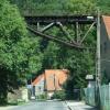 2100. Most pośród zielono<br />ści... :: Lubachów, most nieczynnej<br /> linii kolejowej ze Świdn<br />icy do Jedliny.  Marzy mi<br /> się zobaczyć kiedyś