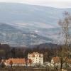 Pałac w Wojanowie... co w<br />idać z daleka ,a co z zam<br />kowego tarasu .....